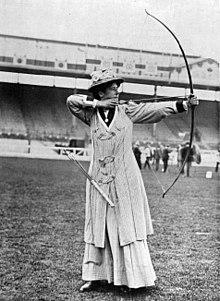 220px-Lottie_Dod,_vice-championne_olympique_de_tir_à_l'arc_en_1908